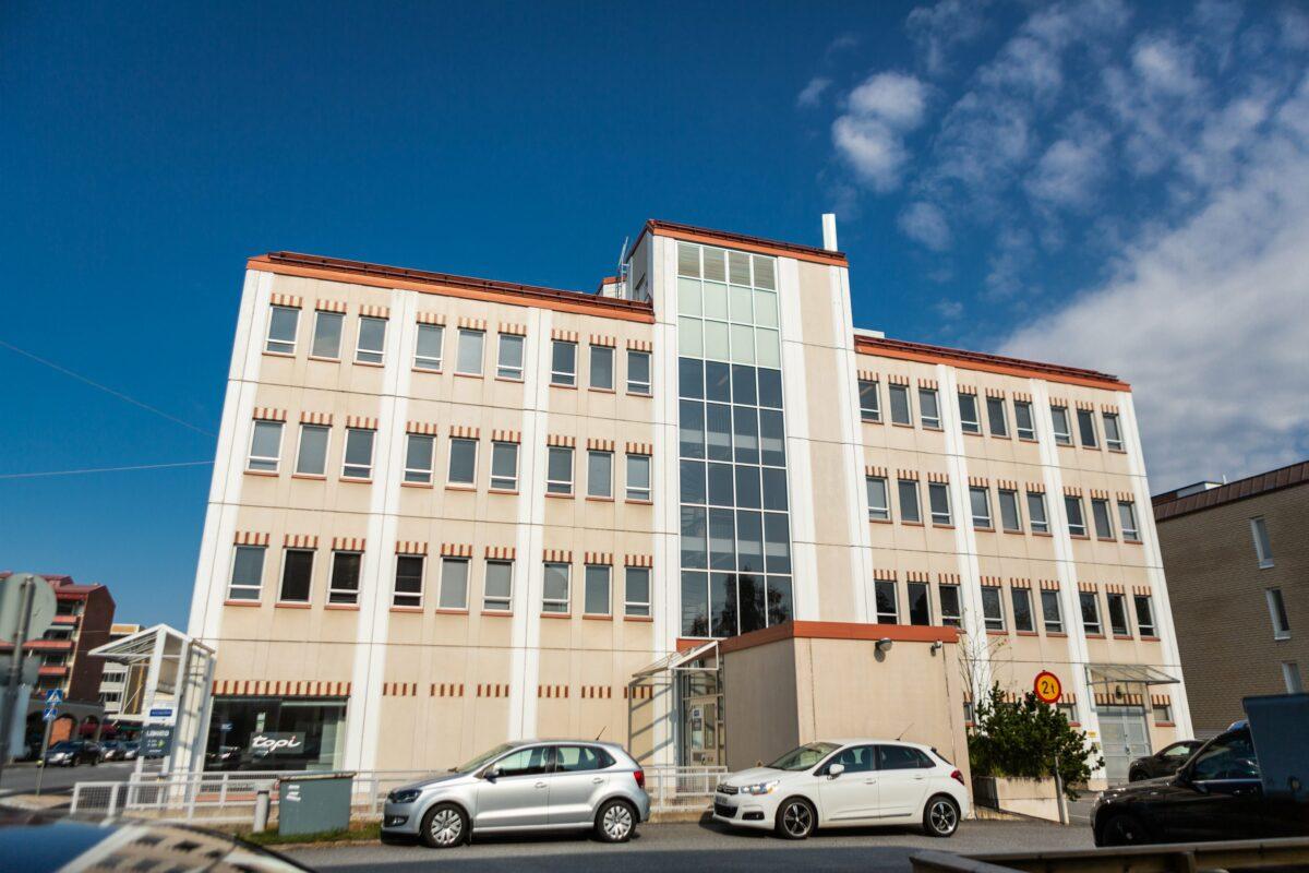 VP Facilitiesin omistama Puffetti-kiinteistö Vaasan keskustassa Pitkäkatu 55